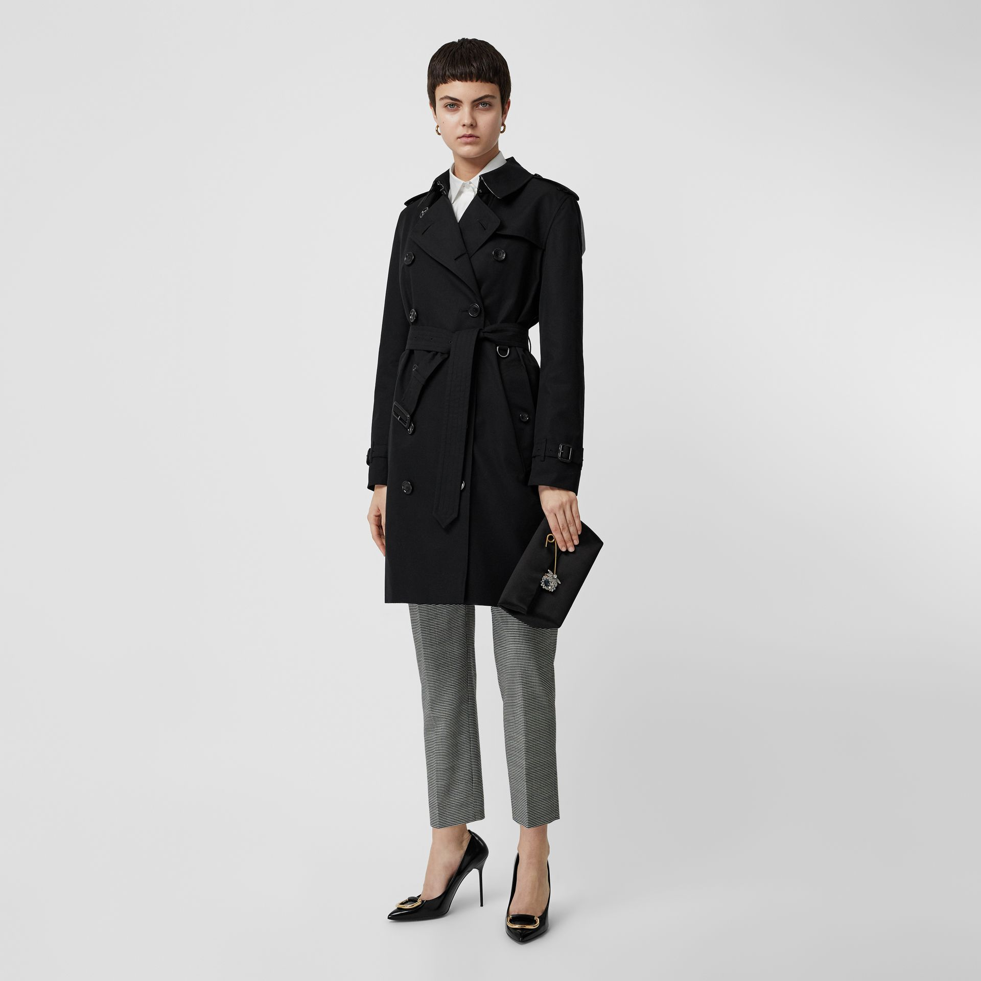 Kensington Fit Cotton Gabardine Trench Coat in Black - Women | Burberry Australia - gallery image 0