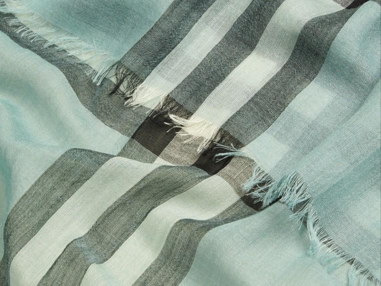 淡灰薄荷色 輕盈格紋羊毛絲綢圍巾 淡灰薄荷色 - cell image 1
