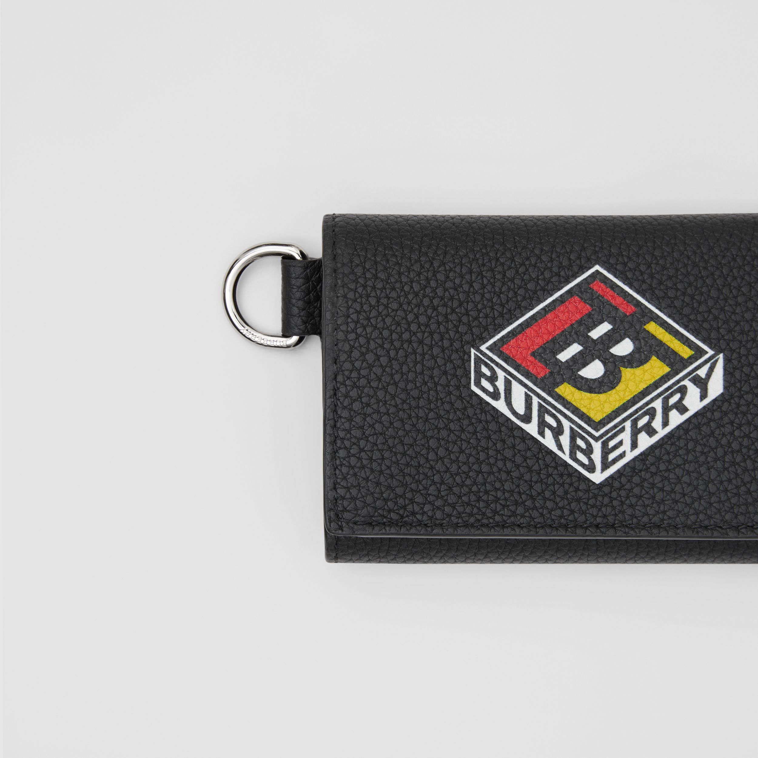 Small Logo Graphic Grainy Leather Folding Wallet in Black - Men | Burberry Hong Kong S.A.R - 2