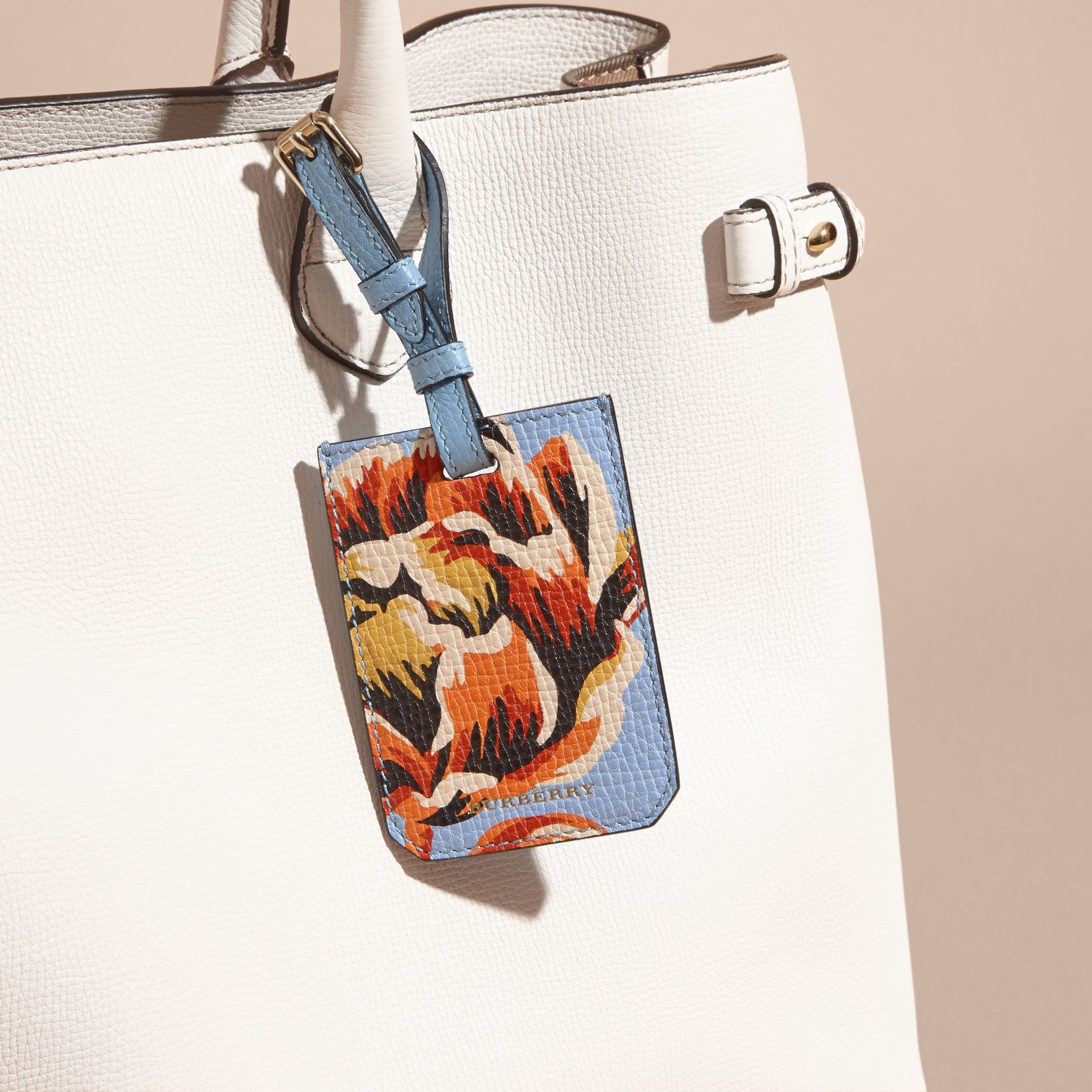Peony Rose Print Grainy Leather Luggage Tag in Pale Blue/vibrant Orange | Burberry - gallery image 3