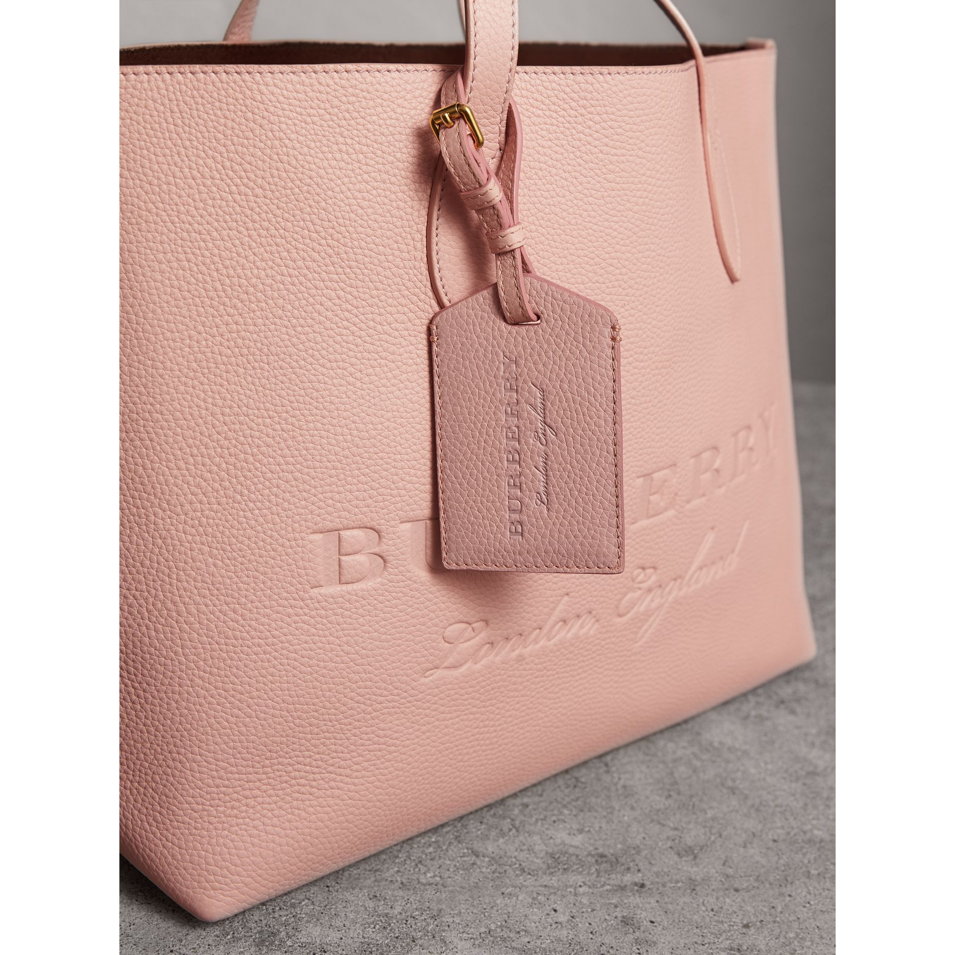 Grainy Leather Luggage Tag in Pale Ash Rose | Burberry Singapore - gallery image 3