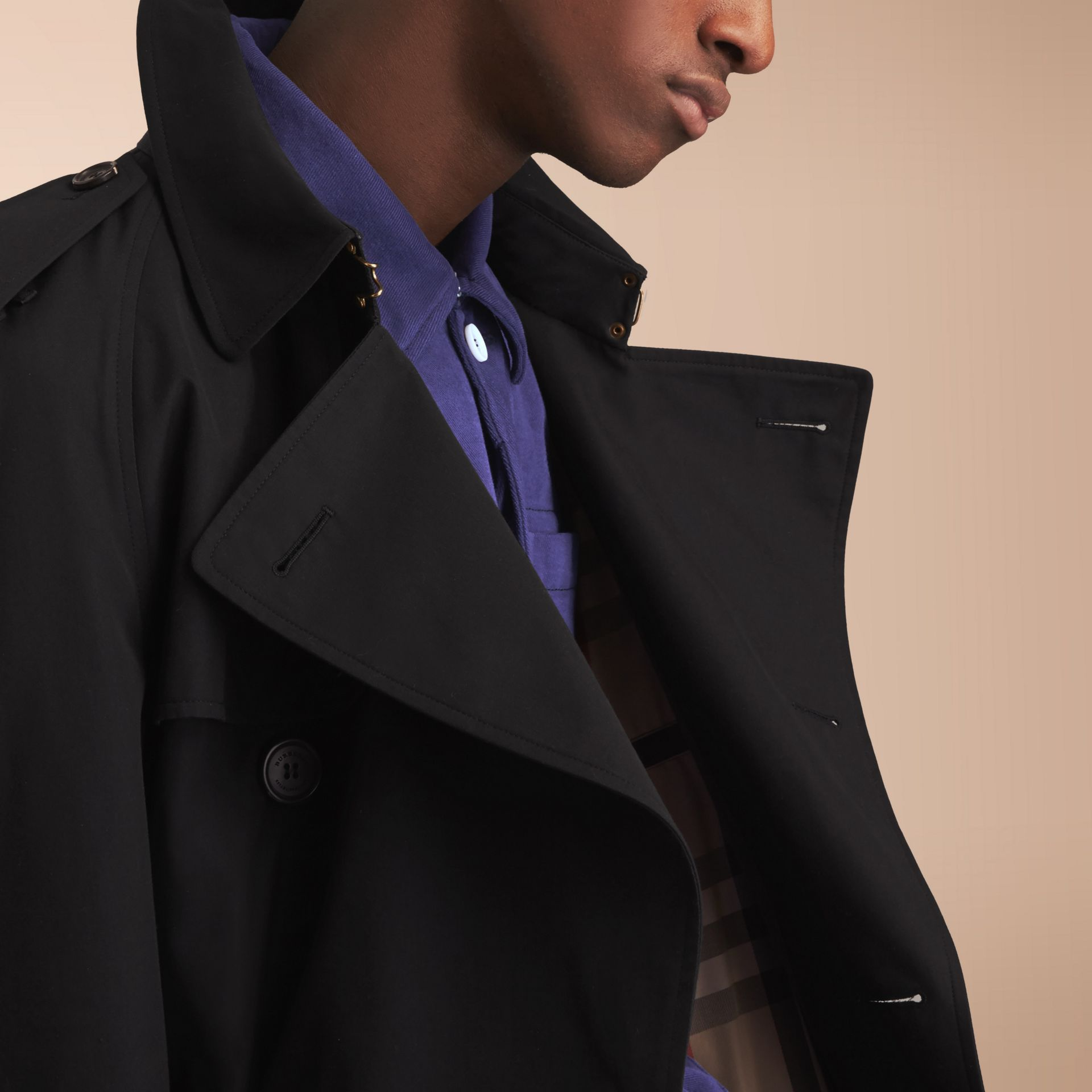 The Westminster – Long Heritage Trench Coat in Black - Men | Burberry - gallery image 6