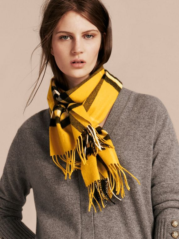 Gorse yellow The Classic Cashmere Scarf in Check  Gorse Yellow - cell image 2