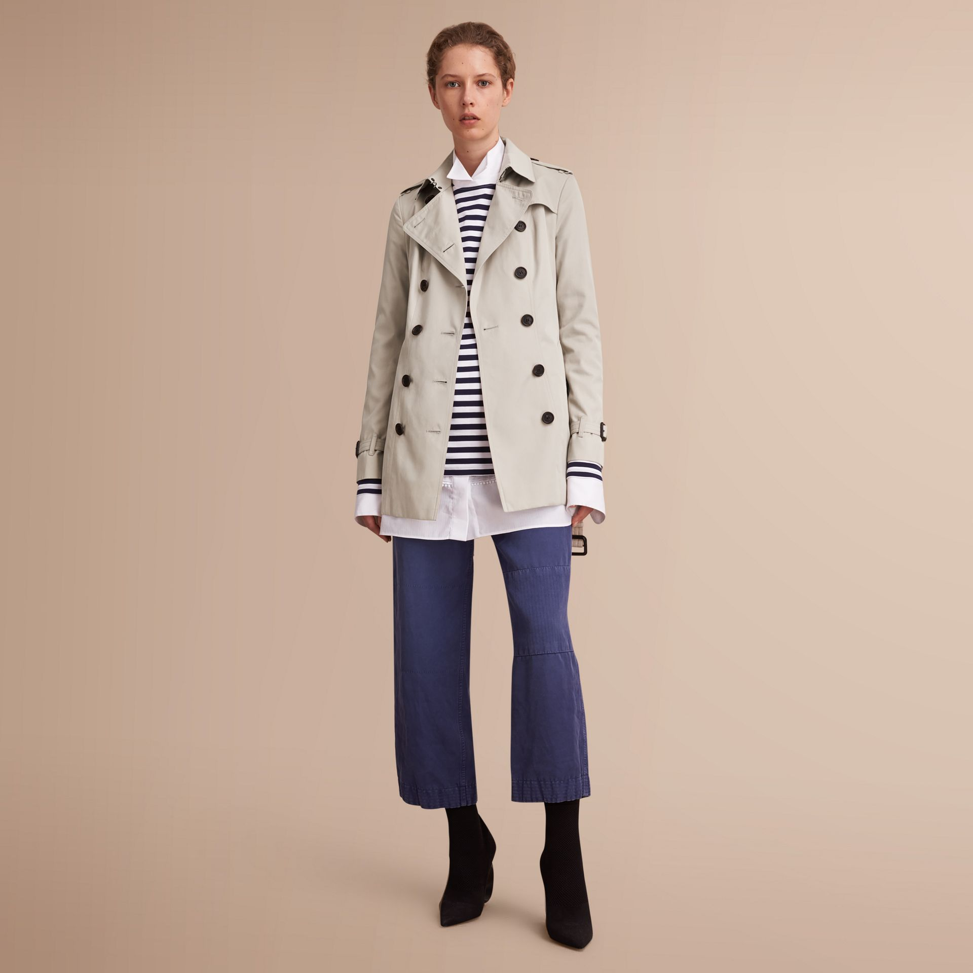 The Sandringham – Short Heritage Trench Coat in Stone - Women | Burberry - gallery image 7