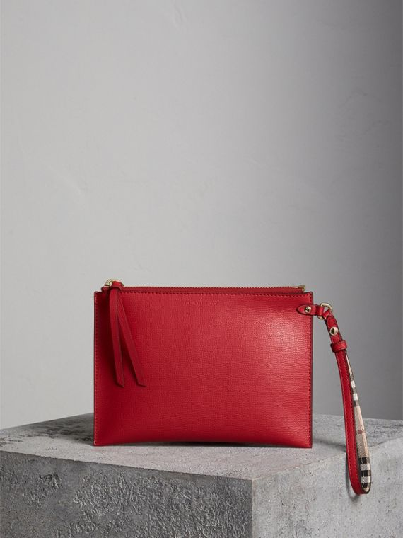Pochette en cuir et motif Haymarket check (Rouge Coquelicot)
