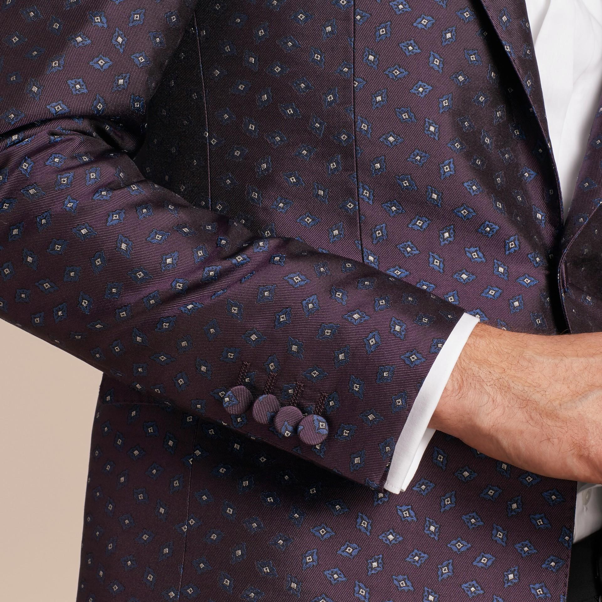 Berenjena oscuro Chaqueta de vestir entallada en jacquard de seda con motivo geométrico - imagen de la galería 6