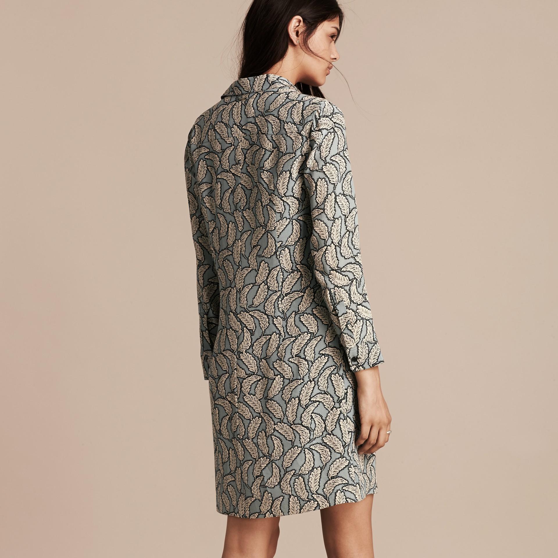 Bleu pierre Robe chemise en soie à imprimé feuillage - photo de la galerie 3