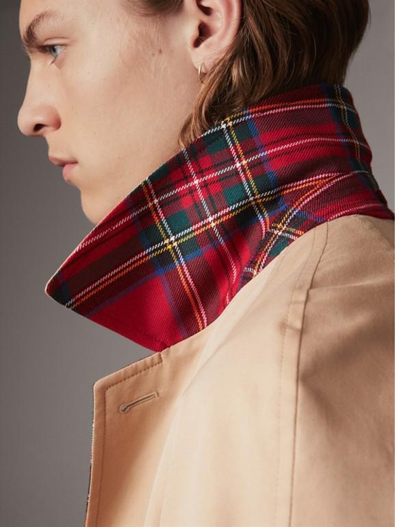 Car coat dupla face de gabardine de algodão e lã em xadrez tartan (Mel/vermelho) - Homens | Burberry - cell image 1