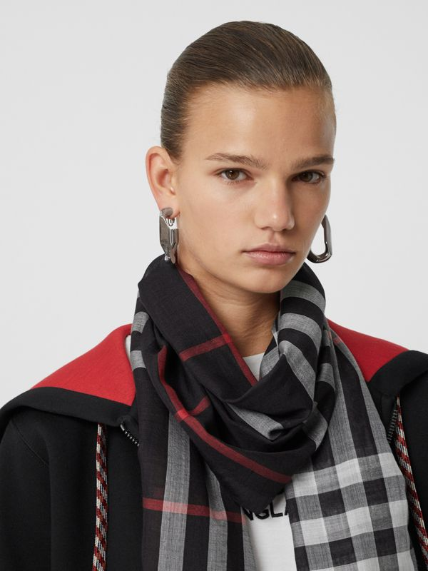 Lightweight Check Wool Silk Scarf in Navy | Burberry - cell image 2