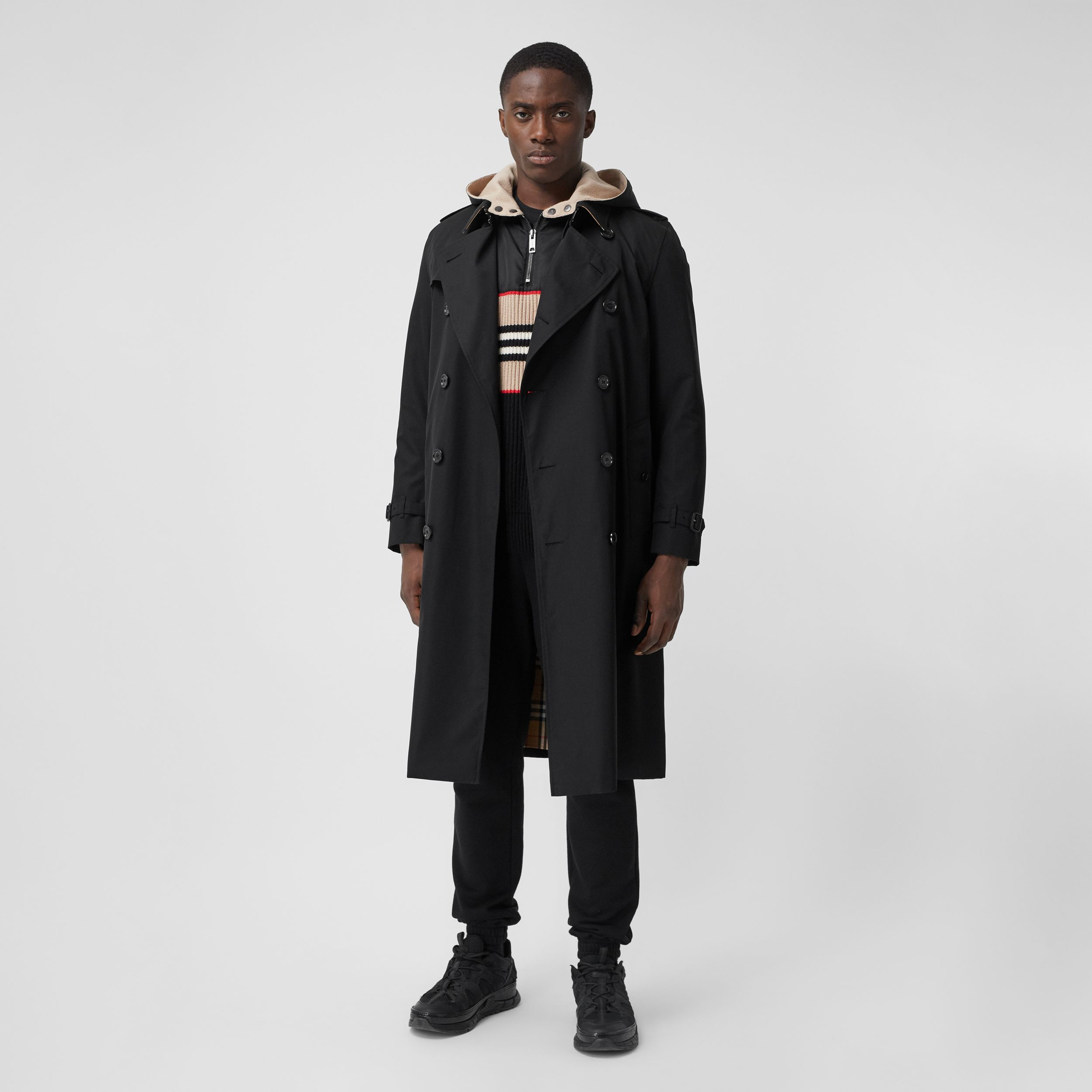 The Long Kensington Heritage Trench Coat in Black - Men | Burberry - 1