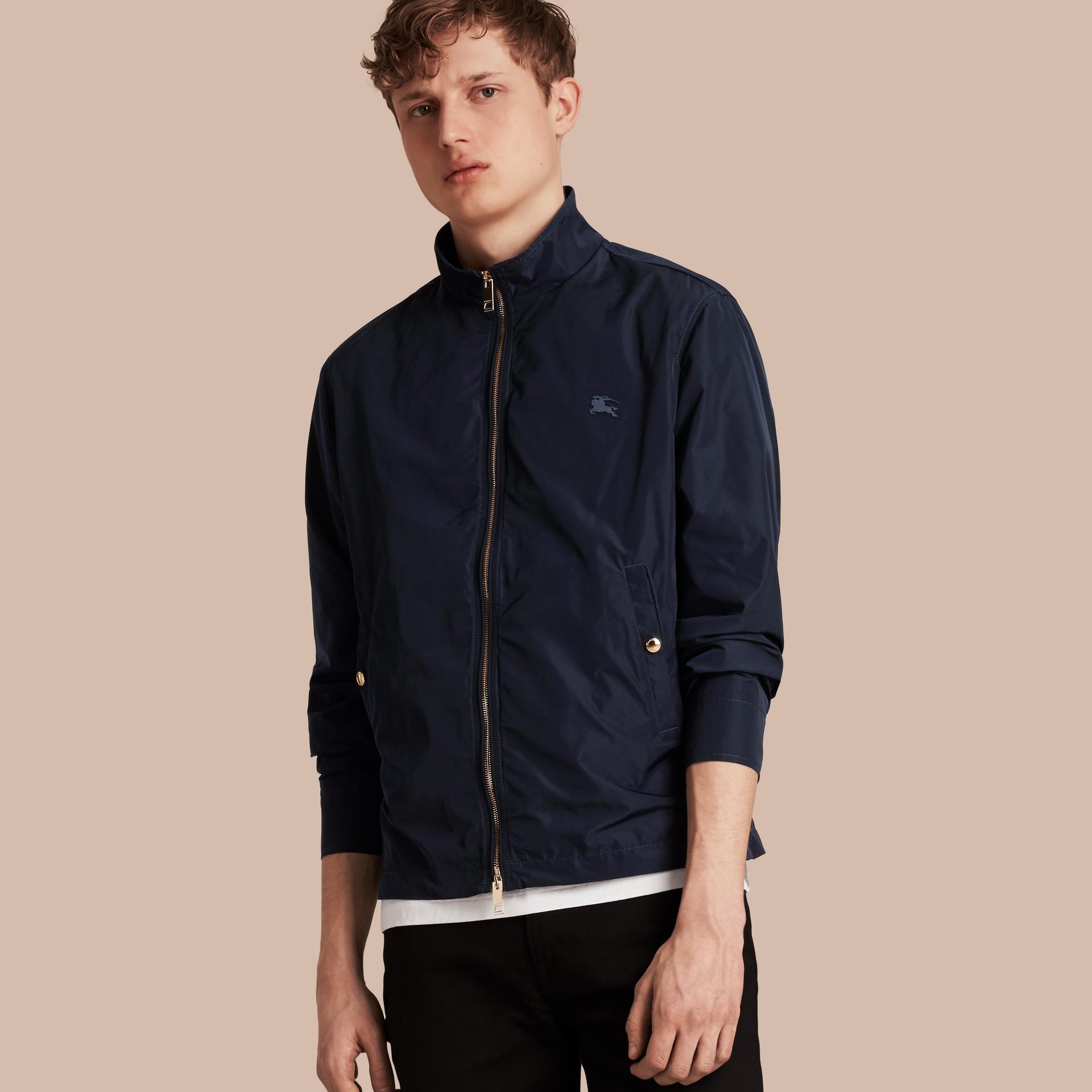 Leichte Jacke aus technischer Faser Tintenblau - Galerie-Bild 1