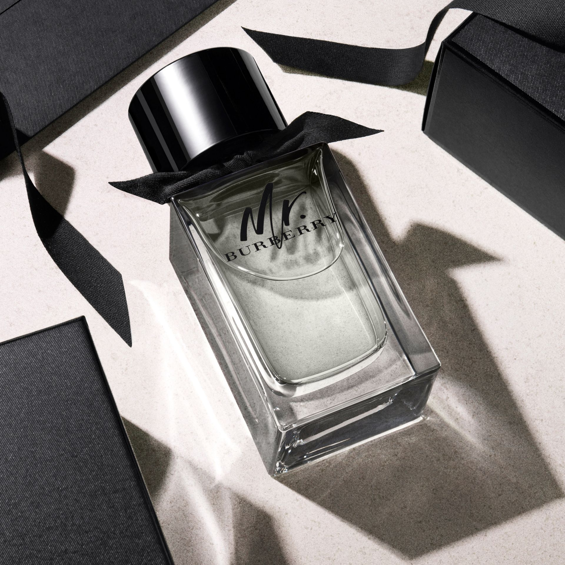 Mr. Burberry Eau de Parfum Set in Black - Men | Burberry - gallery image 5