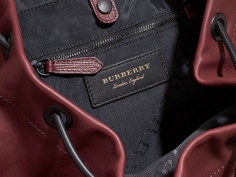 The Large Rucksack in Water-repellent Leather Burgundy Red - cell image 4