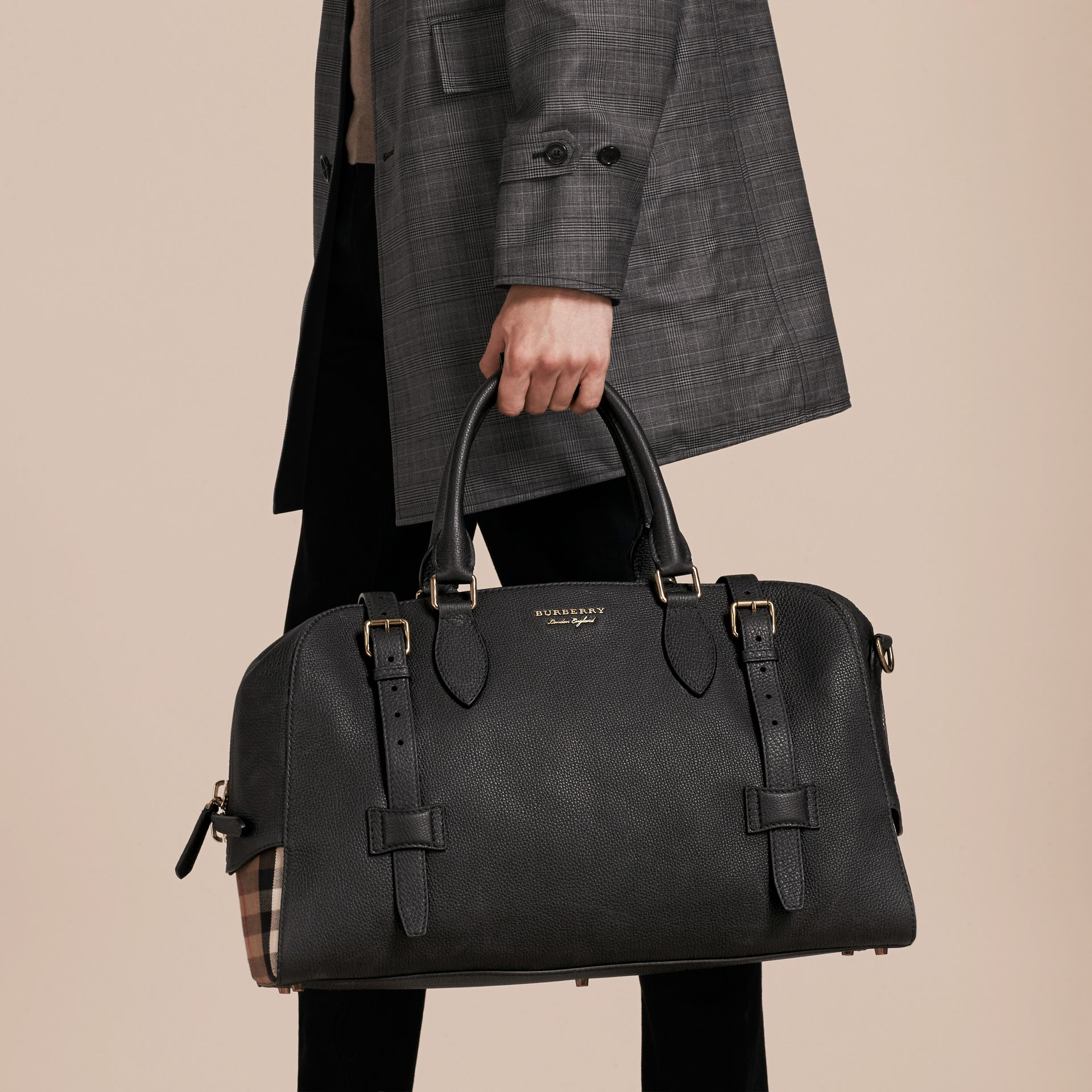 Black Leather Holdall with House Check Detail - gallery image 7