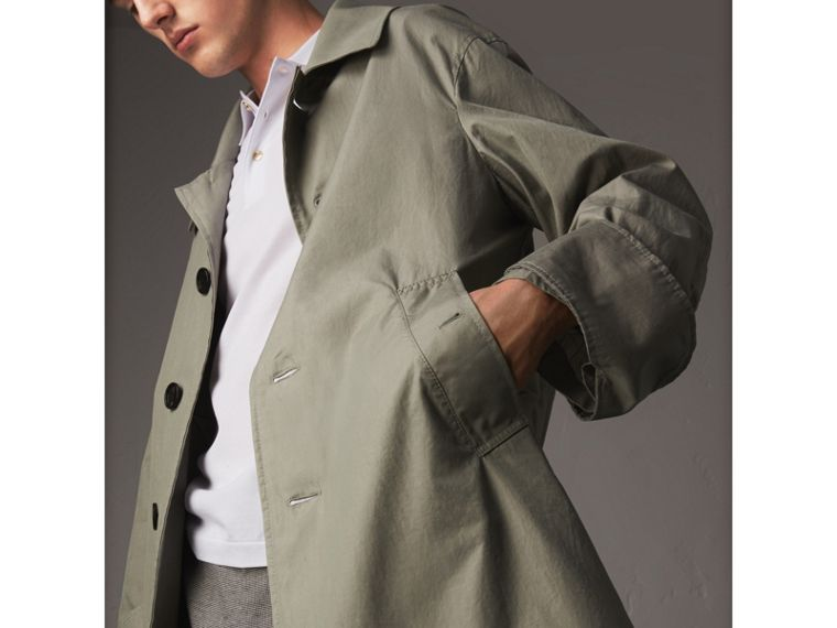 Unisex Tropical Gabardine Car Coat with Exaggerated Cuffs in Slate Green - Men | Burberry - cell image 4