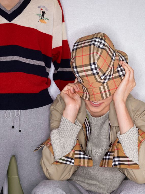 Vintage Check Bucket Hat in Antique Yellow | Burberry Canada - cell image 3