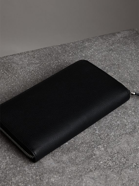 Grainy Leather Ziparound Wallet in Black - Men | Burberry - cell image 2