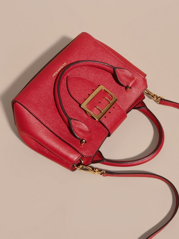 Parade red The Small Buckle Tote in Grainy Leather Parade Red - cell image 2