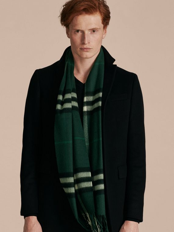 The Classic Cashmere Scarf in Check in Dark Forest Green - cell image 3