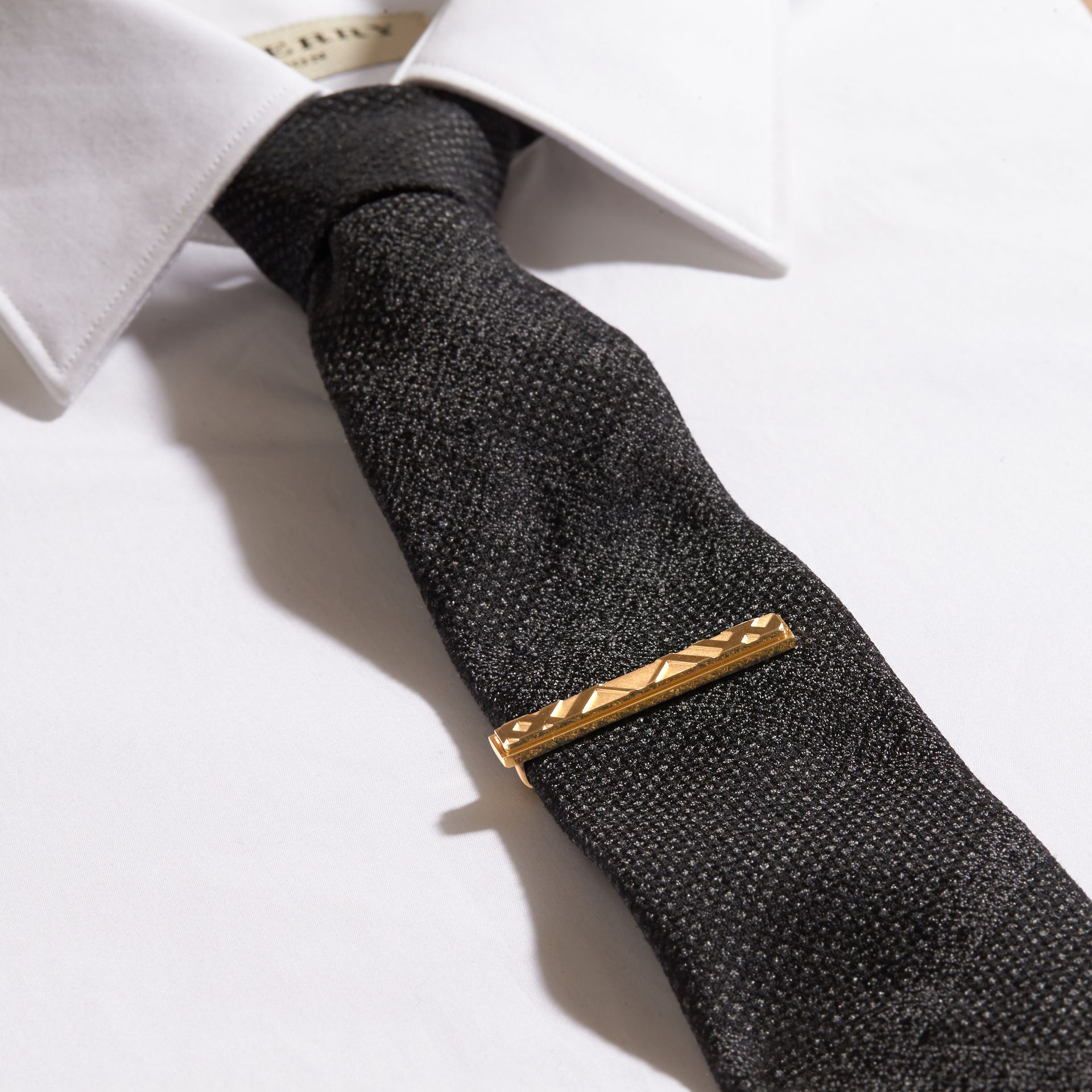 Check-engraved Tie Bar Pale Gold - gallery image 3