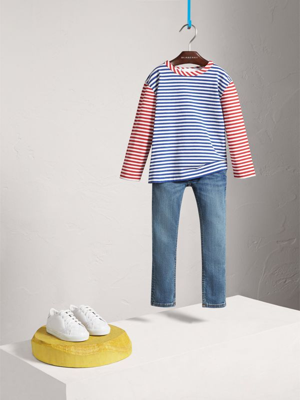 Jeans attillati in denim stretch (Indaco Medio) - Bambina | Burberry - cell image 2