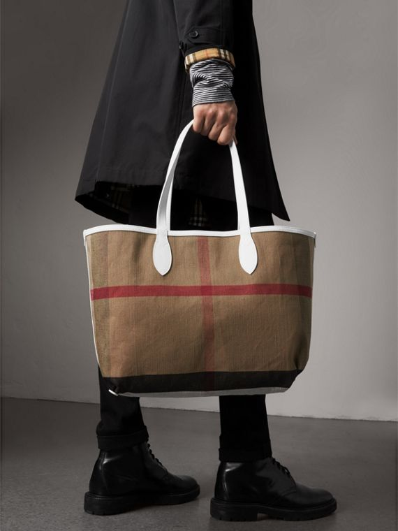 The Medium Reversible Doodle Tote in White | Burberry Singapore - cell image 3