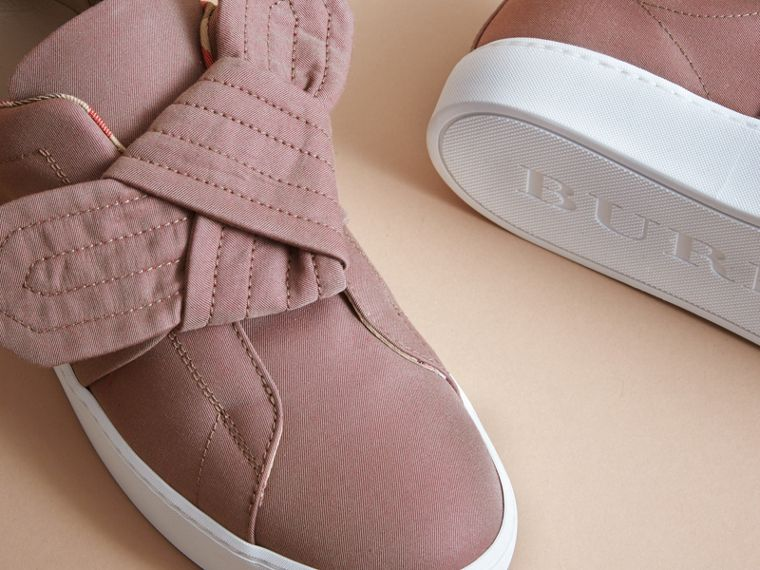 Sneakers avec nœud trench (Rose Antique) - Femme | Burberry - cell image 4