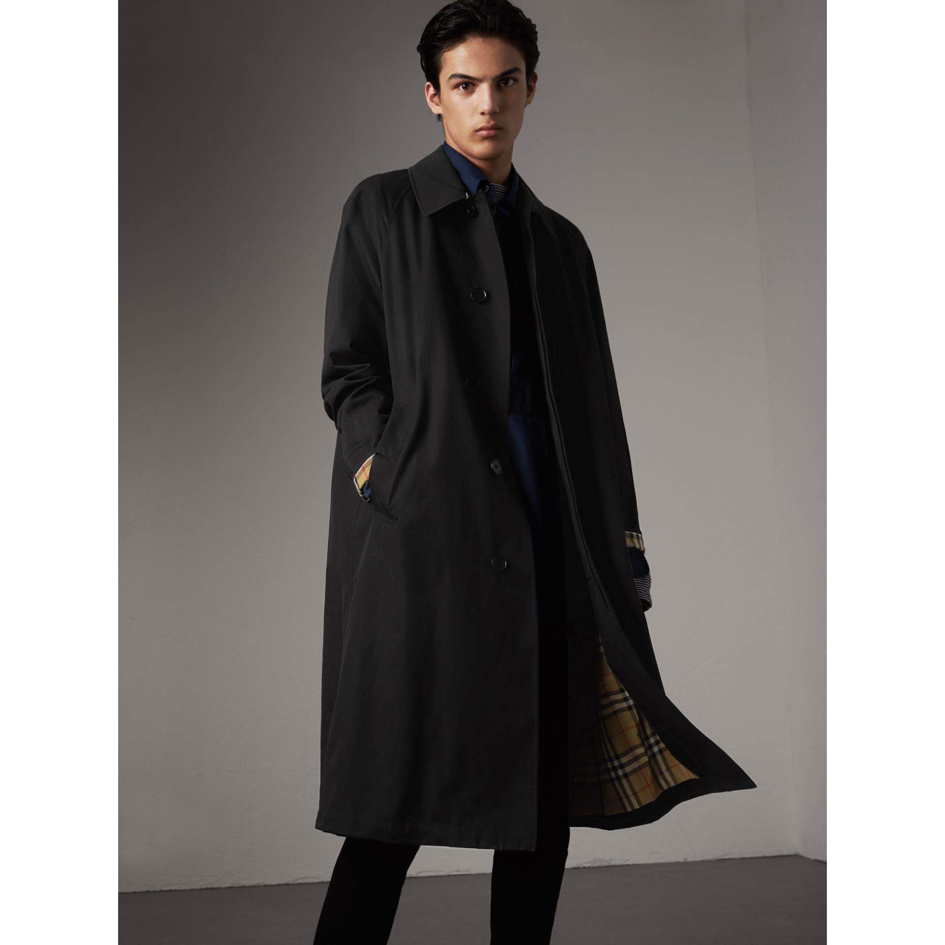 The Brighton – Extra-long Car Coat in Black - Men | Burberry - gallery image 6