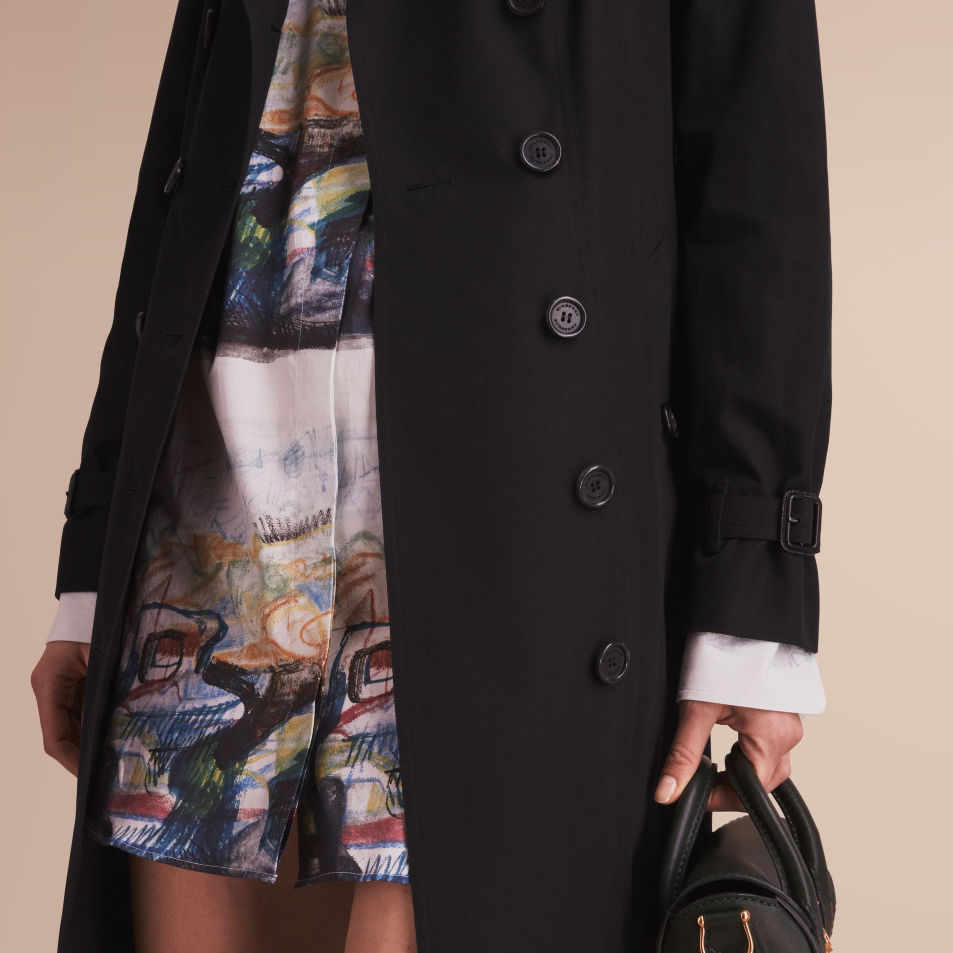 The Sandringham – Extra-long Heritage Trench Coat in Black - Women | Burberry Hong Kong - gallery image 5