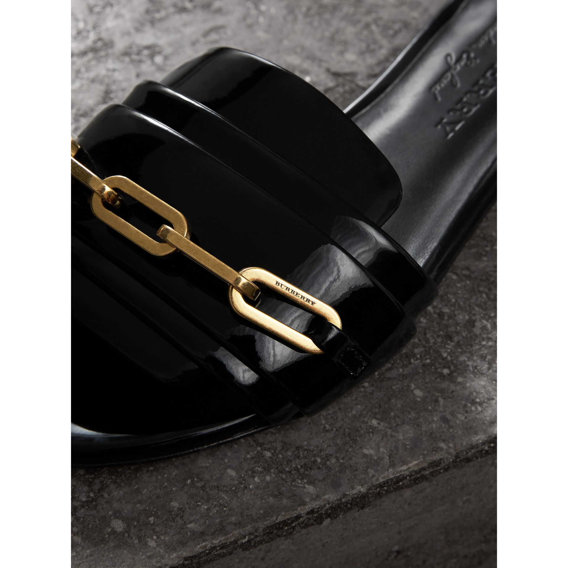 Link Detail Patent Leather Slides in Black - Women | Burberry United States - gallery image 1