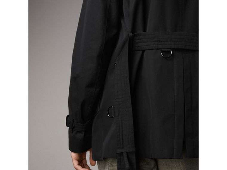 The Kensington – Short Trench Coat in Black - Men | Burberry Canada - cell image 4
