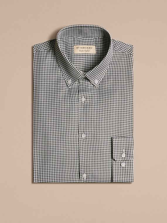 Camicia moderna in cotone con motivo a quadretti e colletto button-down Nero