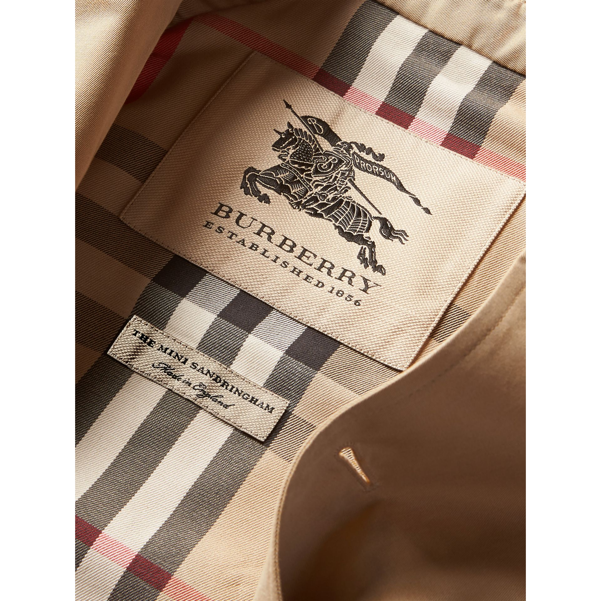 The Sandringham - Trench coat Heritage (Miele) - Bambina | Burberry - immagine della galleria 6