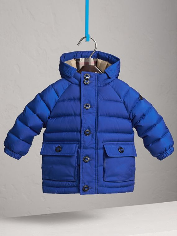 Shower-resistant Hooded Puffer Jacket in Brilliant Blue
