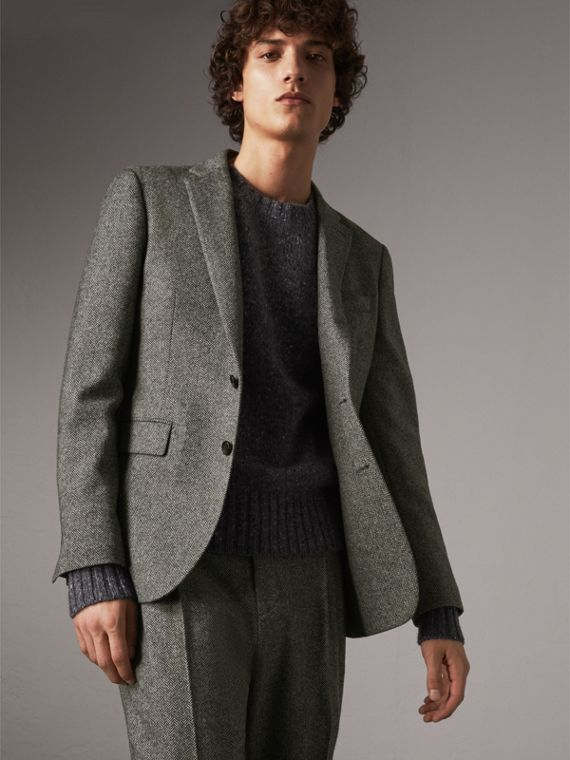 Soho Fit Herringbone Wool Tailored Jacket in Black / White