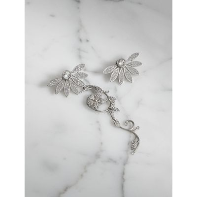 Burberry Asymetric Half-Daisy Drop Earrings in Peridot Green Crystal and Metal I1PQZSprff
