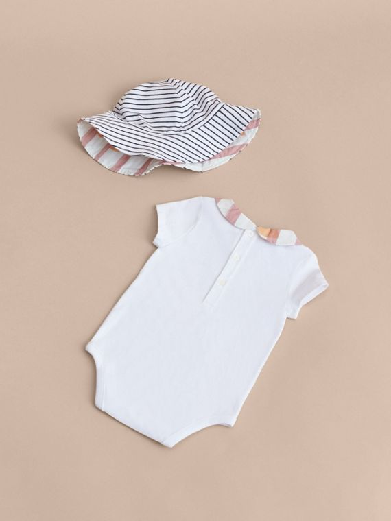 Hooked Heart Print Cotton Three-piece Baby Gift Set - cell image 2