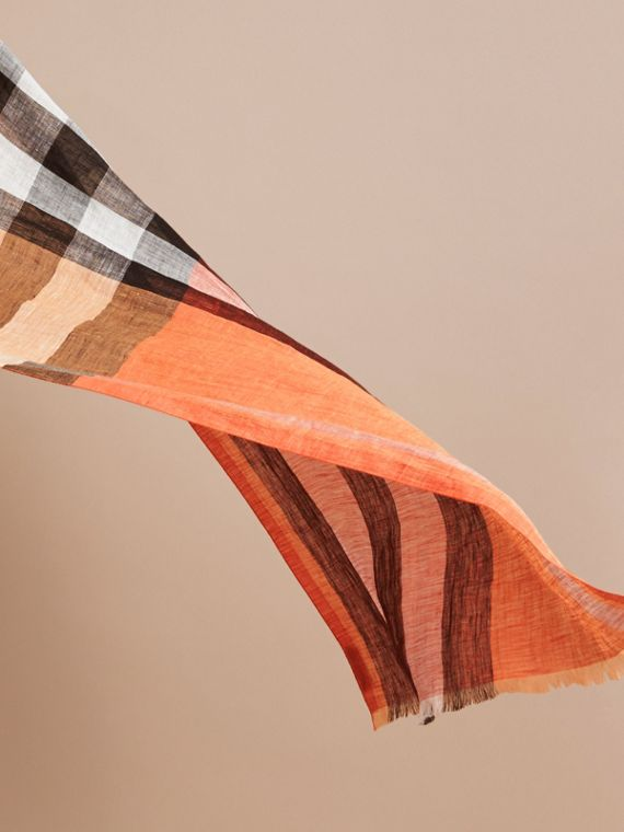 Lightweight Check Linen Scarf Clementine - cell image 3