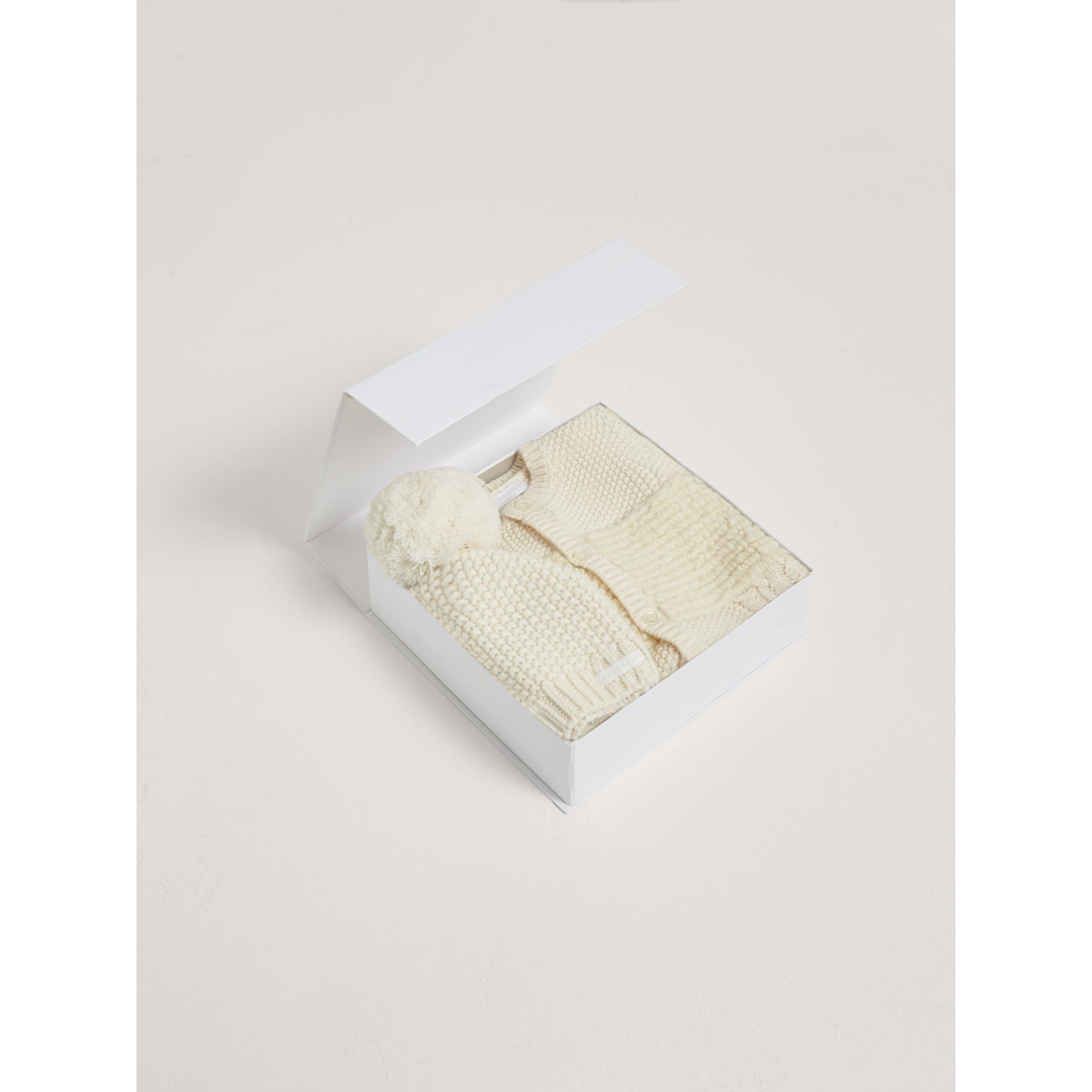 Wool Cashmere Two-piece Baby Gift Set in Natural White | Burberry - gallery image 3
