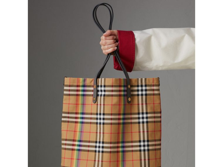 Large Rainbow Vintage Check Shopper in Dark Grey | Burberry Canada - cell image 4