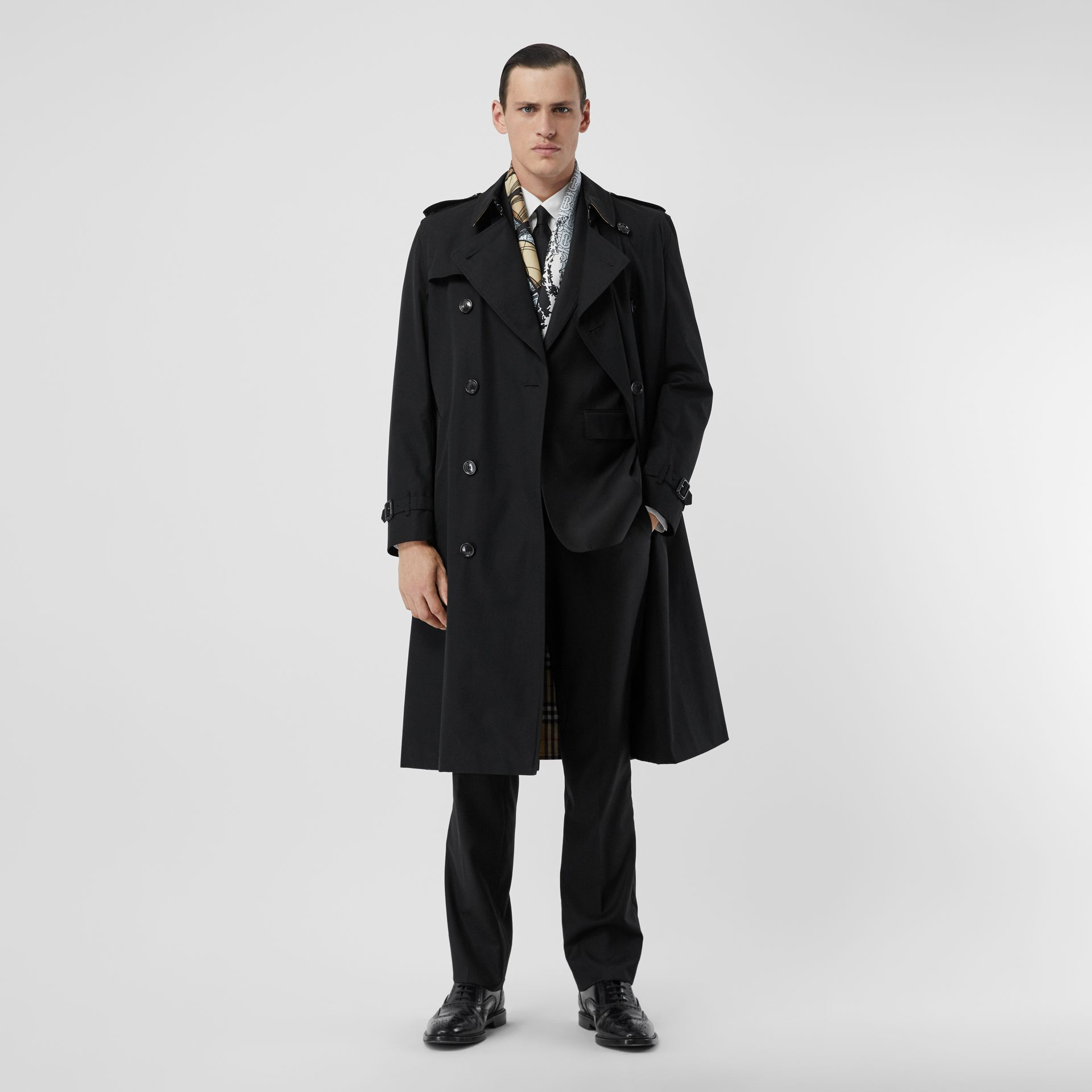 The Long Kensington Heritage Trench Coat in Black - Men | Burberry Hong Kong S.A.R - gallery image 0