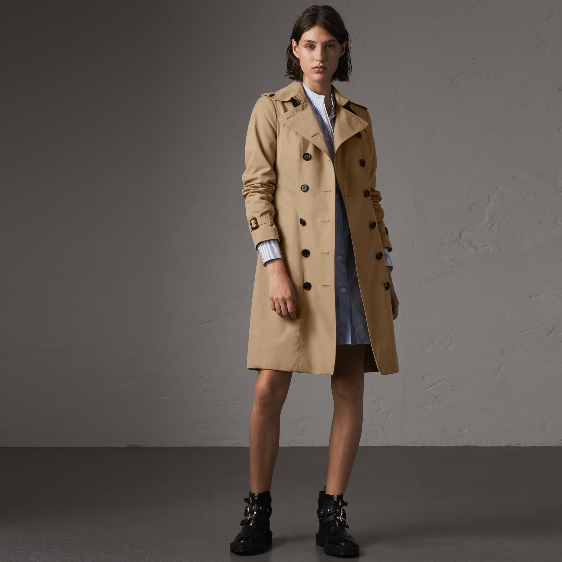The Sandringham – Long Trench Coat in Honey - Women | Burberry United Kingdom - gallery image 0