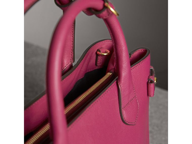 The Medium Banner aus Leder und House Check-Gewebe (Glänzendes Fuchsia) - Damen | Burberry - cell image 4