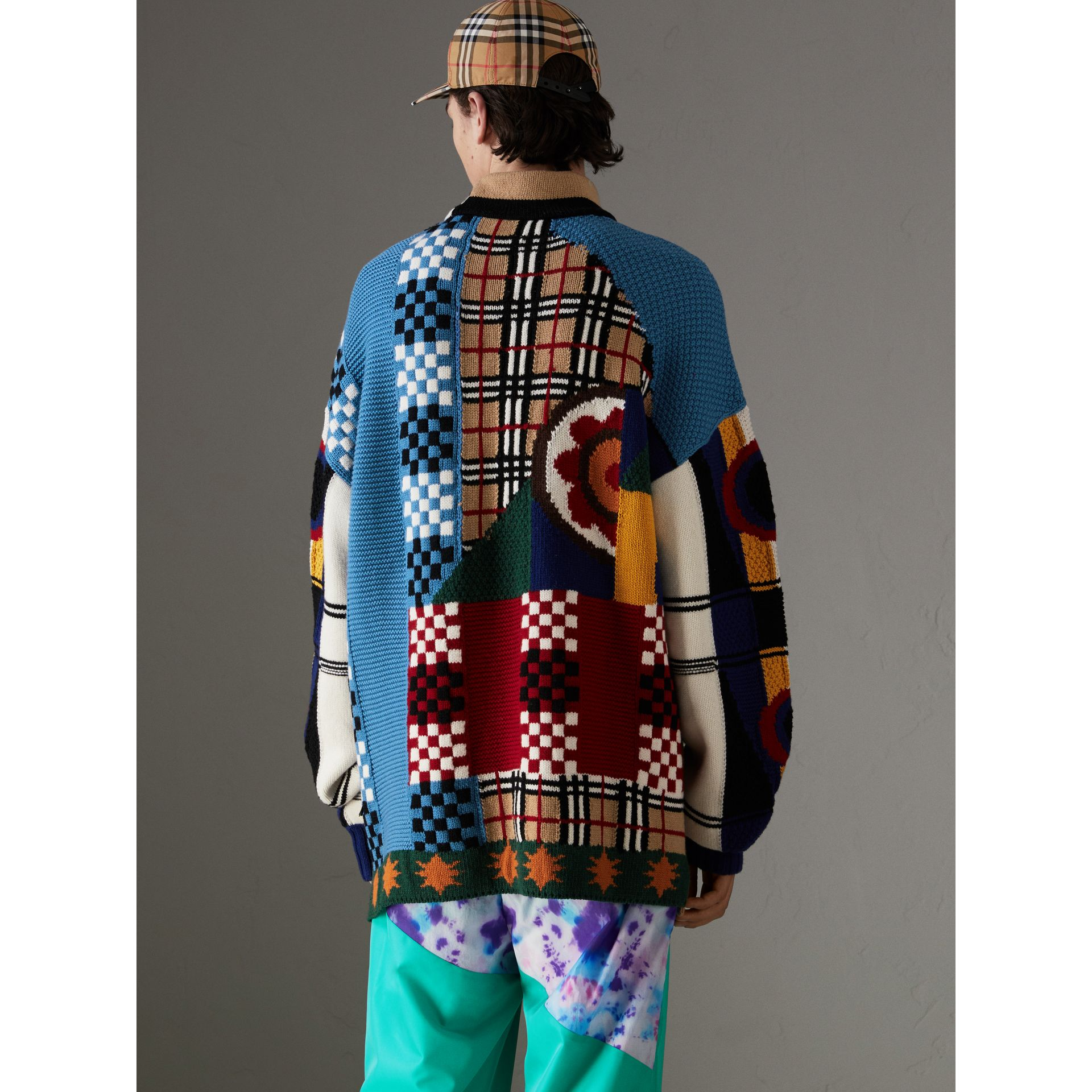 Wool Cashmere Cotton Graphic Intarsia Sweater in Multicolour | Burberry Canada - gallery image 2