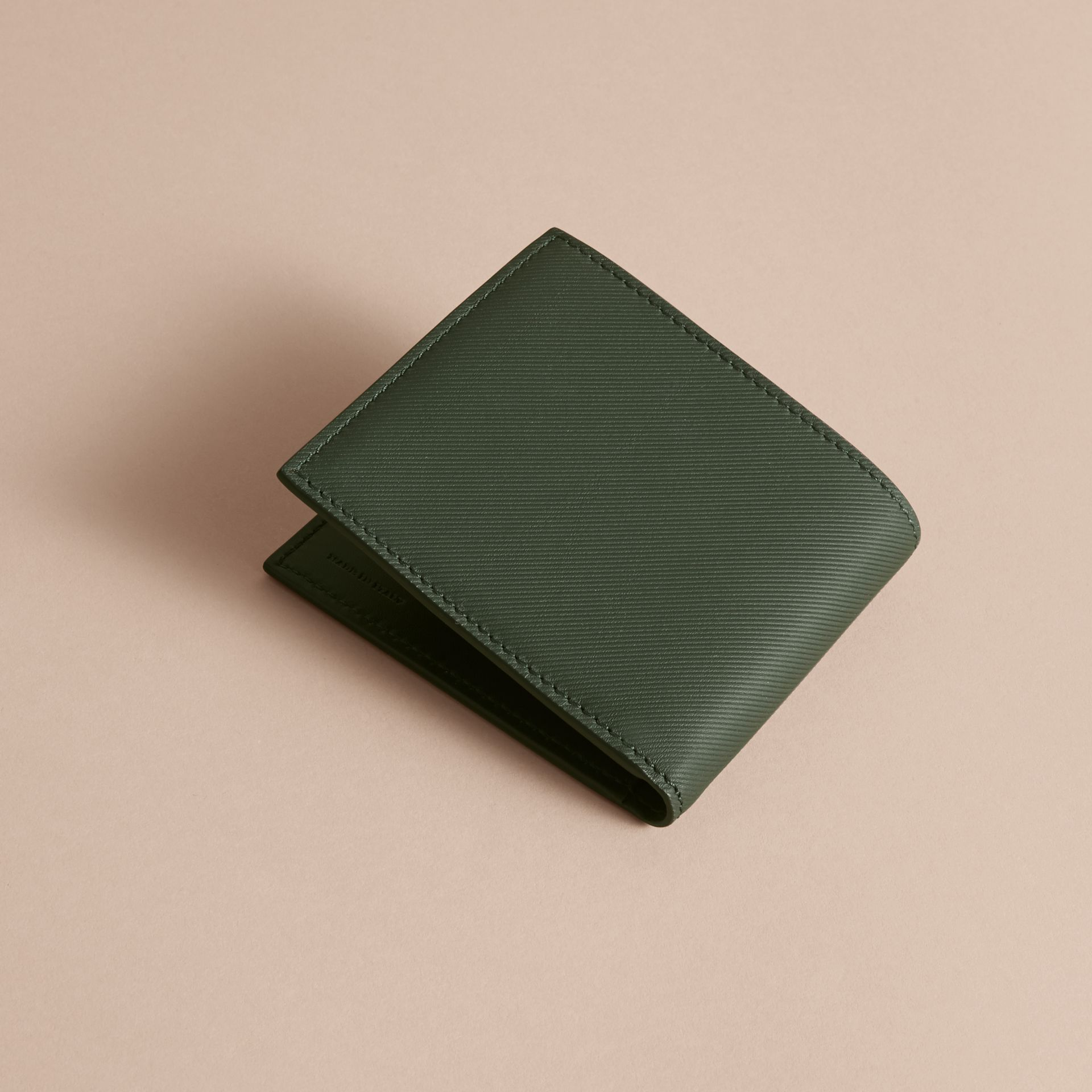 Trench Leather International Bifold Wallet in Dark Forest Green - Men | Burberry Hong Kong - gallery image 4