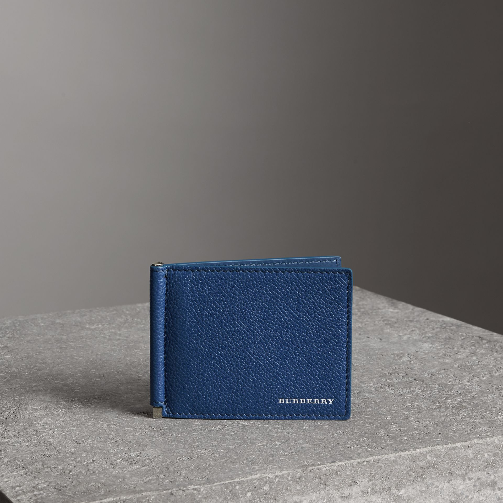 Grainy Leather Money Clip Card Wallet in Bright Ultramarine - Men | Burberry Canada - gallery image 0