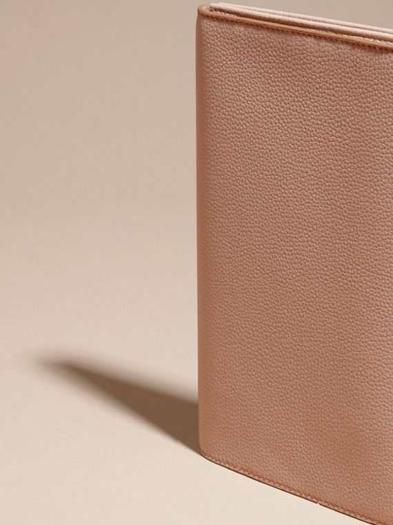 Pale apricot Grainy Leather Travel Wallet Pale Apricot - cell image 3