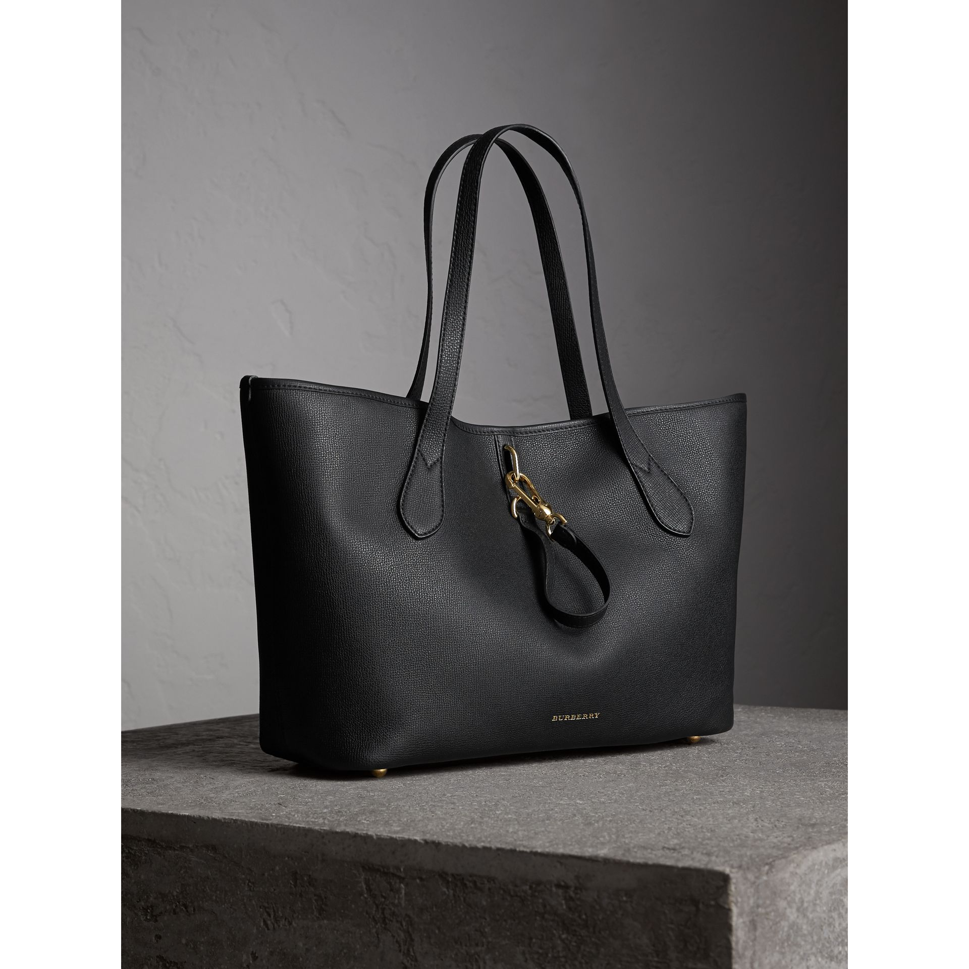 Medium Grainy Leather Tote Bag in Black - Women | Burberry - gallery image 6