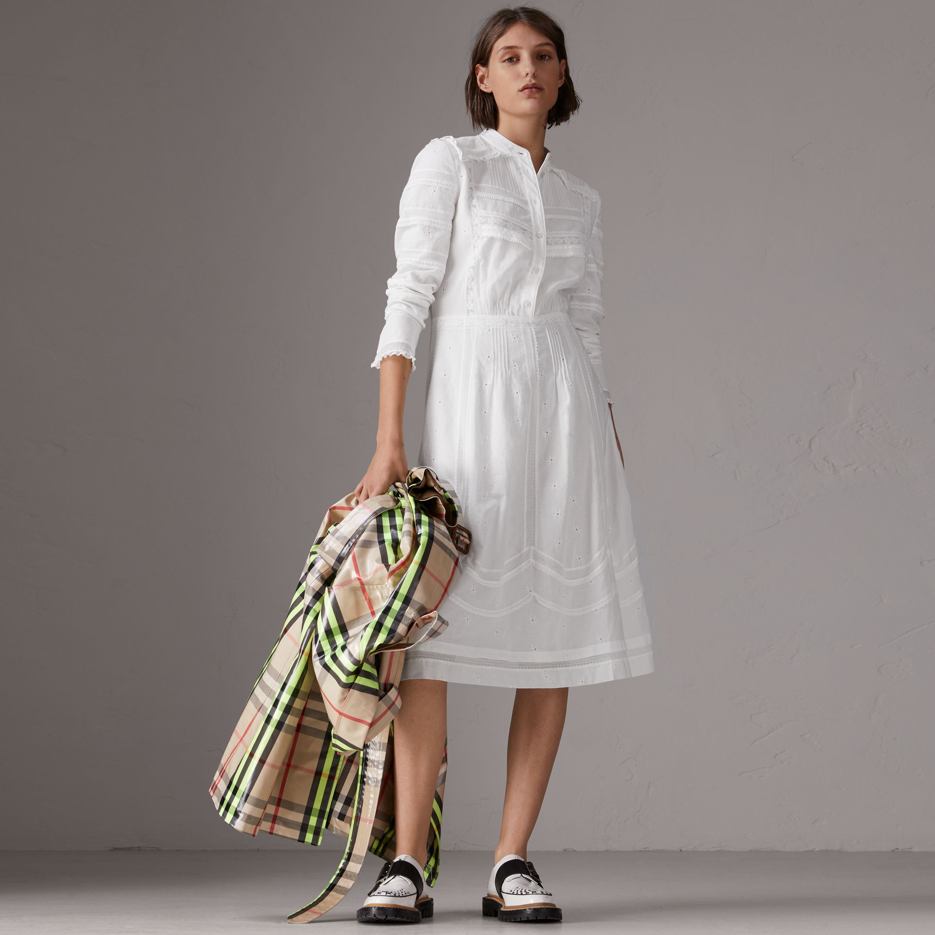 English Lace Detail Cotton Voile Shirt Dress in Off White - Women | Burberry - gallery image 4