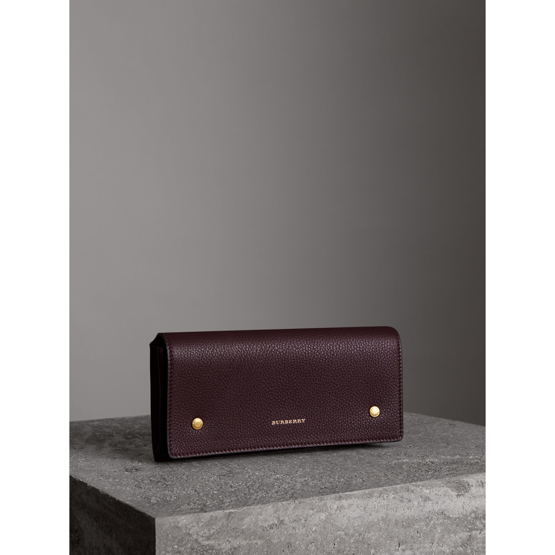 Two-tone Leather Continental Wallet in Deep Claret - Women | Burberry Hong Kong - gallery image 4